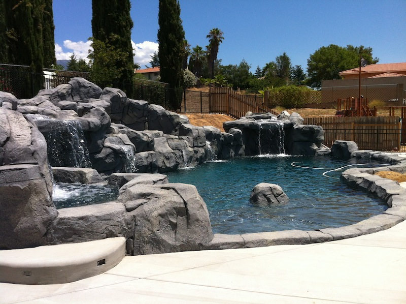 Water features photos rock waterfalls grottos los angeles for Natural swimming pools los angeles