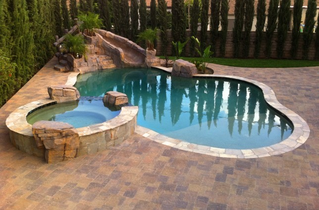 Los angeles pool builder in la burbank custom swimming pools for Pool design los angeles